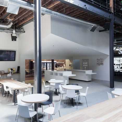 Pinterest Headquarters | MASHstudios round and long tables   http://mashstudios.com/2014/04/30/pinterest-2/