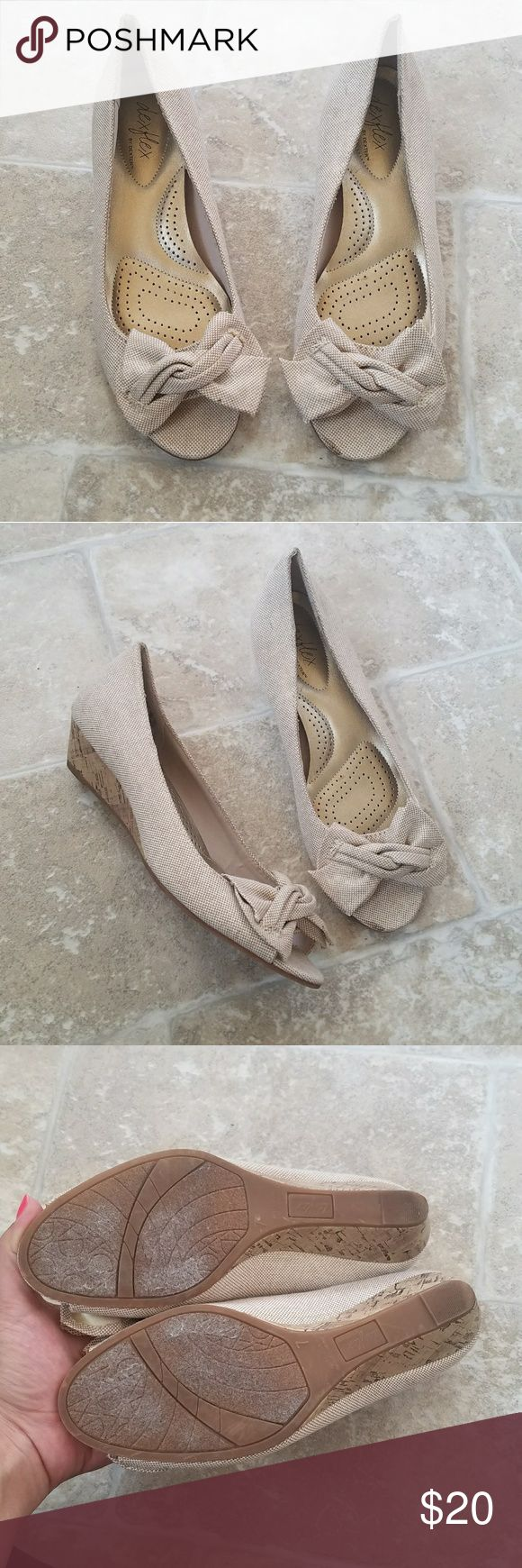 Dexflex Comfort Cream Bow Open Toe Wedges Gently used . Cushion sole for comfort .  #062704 Dexflex Comfort Shoes Wedges