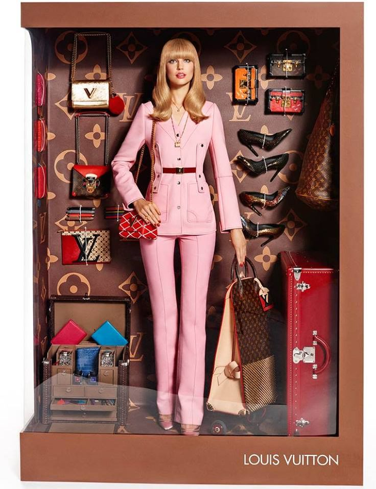 """muñecas de alta costura"" #LouisVuiiton"