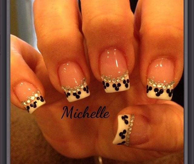 Disney Nails these nails would be awesome for a disney wedding
