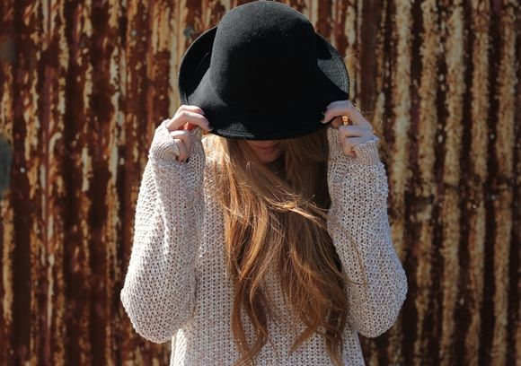 A Closer Look At Our Favorite Fall SweatersFavorite Fall, Sweaters Seasons, Latest Fashion, Fashion Accessories, Fall Sweaters, Free People, Hats Hair, Cozy Sweaters, Closer