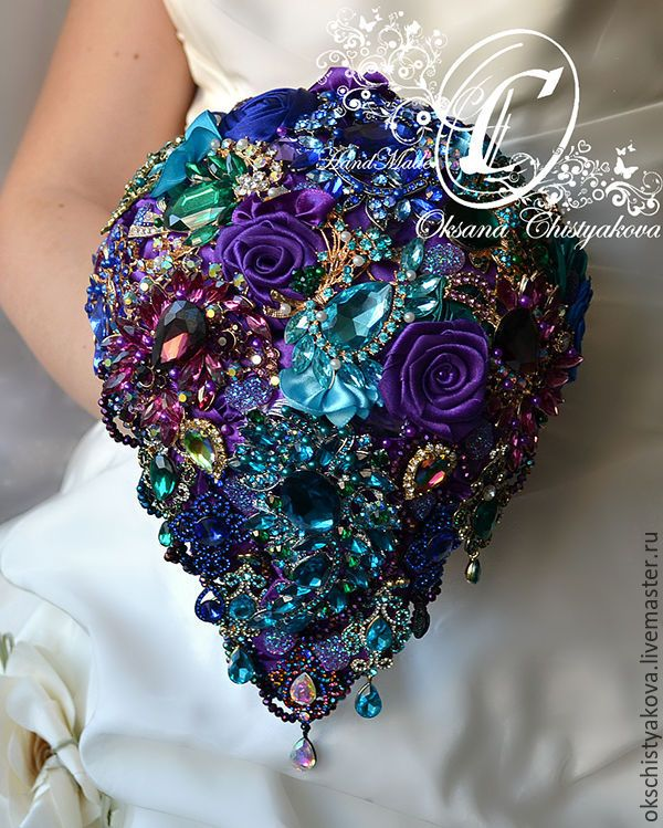 Gorgeous wedding bouquet with brooches