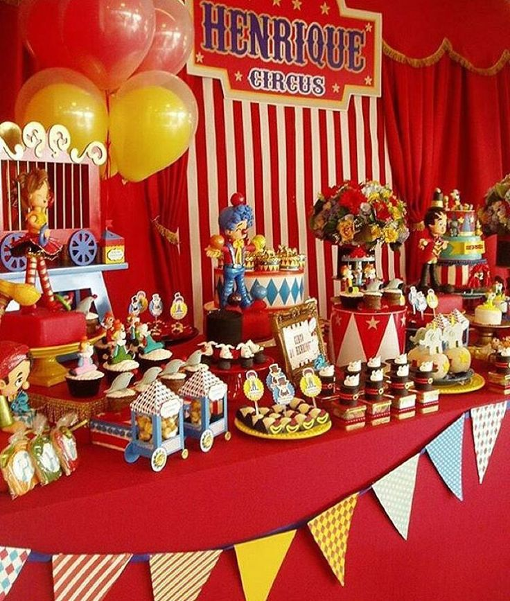 """Festa linda com tema Circo Vintage por @decorandosonhos_ , adorei!  #kikidsparty"""