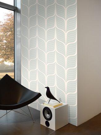 blauwe figuur op een lichtgrijze achtergrond - Funky Walls - Dé webshop voor vintage en modern behang
