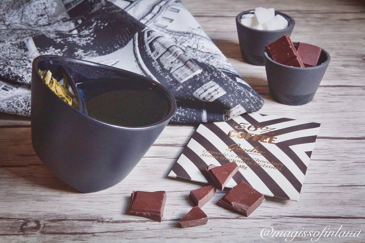 What could be better, than a cup of a warming, hot tea with chocolate #goodio in a freezing day? In Helsinki is -6 degrees.