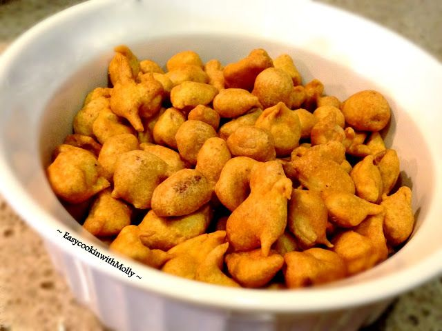Spicy Chickpea Peanuts - They are spicy, fried and coated with chickpea flour. Delicious snack for any occasion. #vegan #glutenfree #delicious #snack