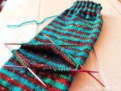 Meias de tricô com saltos de última hora - Tricotar a meia inteira para que o seu padrão seja ...