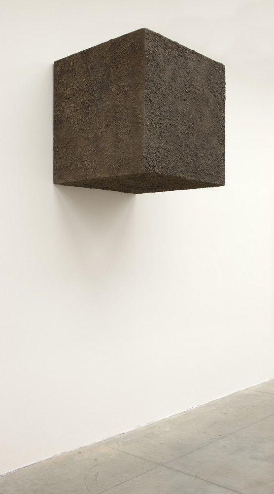 Pino Pascali 1 metro cubo di terra, 1967