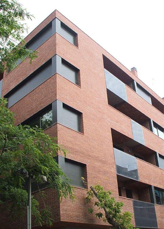 Edificio de viviendas en esquina, Castelldefels / AMSA arquitectura