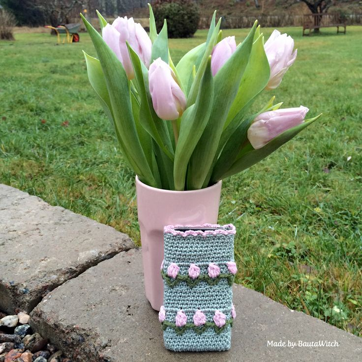 I keep crocheting tulips - can't stop! Free pattern in English at BautaWitch.se. : thanks so for great share xox