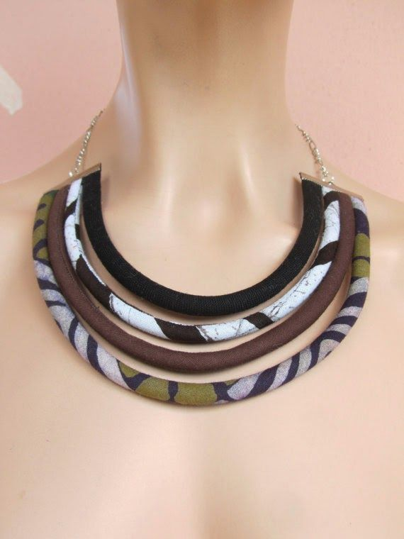 Nada Kalmoni textile jewelry. http://lillicose-jewelry.blogspot.it/2014/09/cercando-monili-tessili-21textile.html