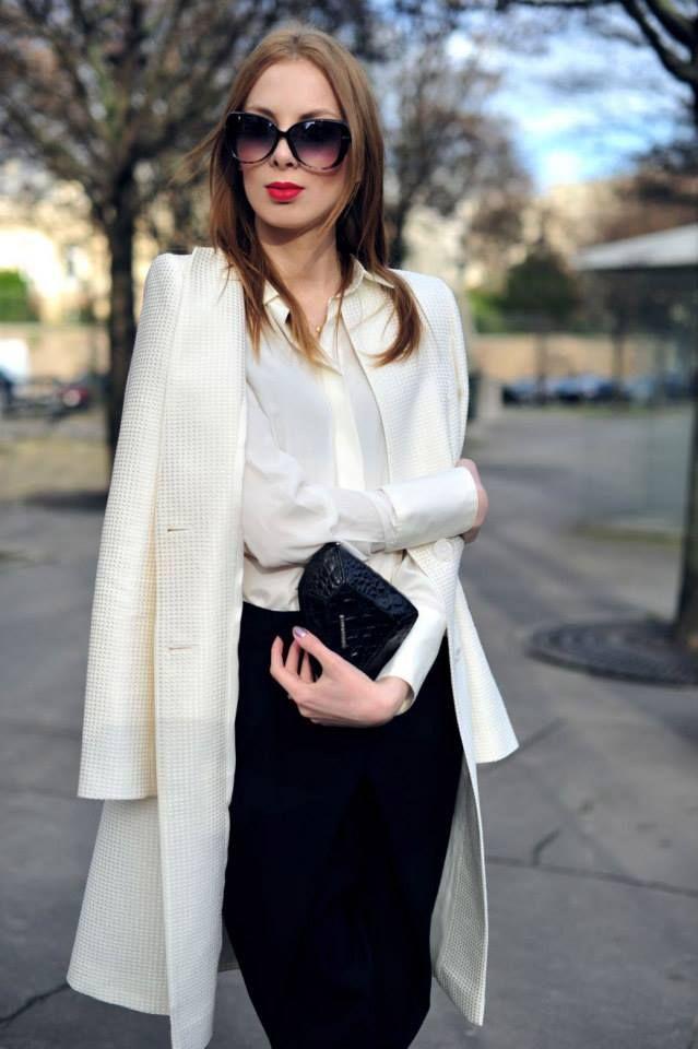 Charlize Mystery w klasycznej stylizacji black&white. W roli głównej płaszcz ARYTON z kolekcji wiosna-lato 2014