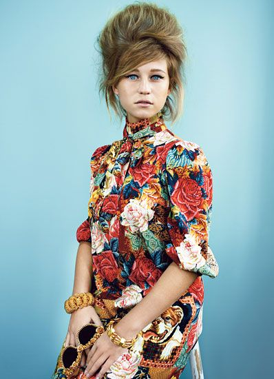 Selah Sue - W mag - Ph Emma Summerton, styled by Giovanna Battaglia - new musicians in 50s fashion