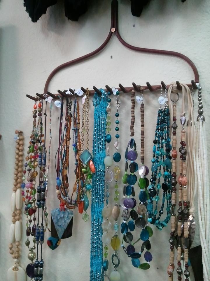 My friend has a consignment shop out in Phoenix AZ and this is how they display their jewelry. Love this idea.