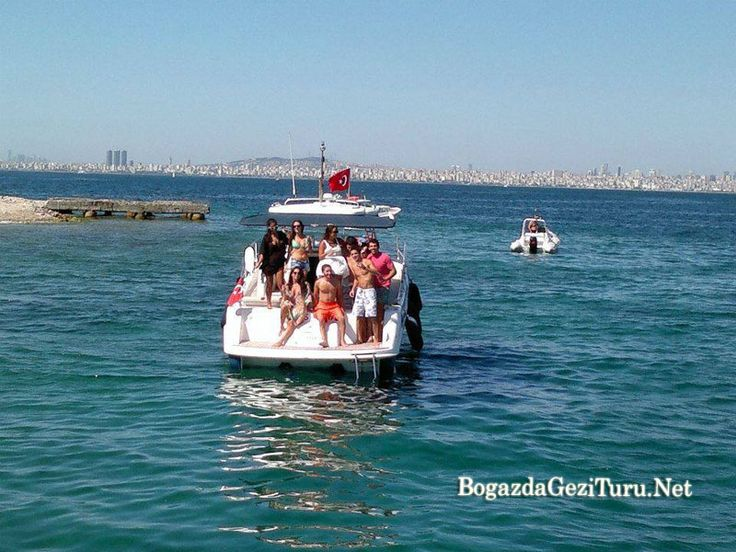 Hafta sonu ve hafta içi günleri Adalar ve Boğazda günübirlik yüzme turu için tekne kiralama organizasyonu. Yüzme turu fiyatları için iletişim kurmalısınız.