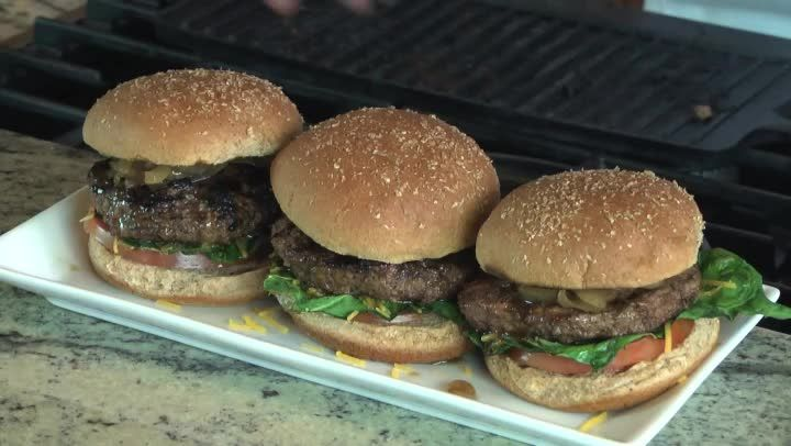 Video: How to Cook Burgers With Coca-Cola