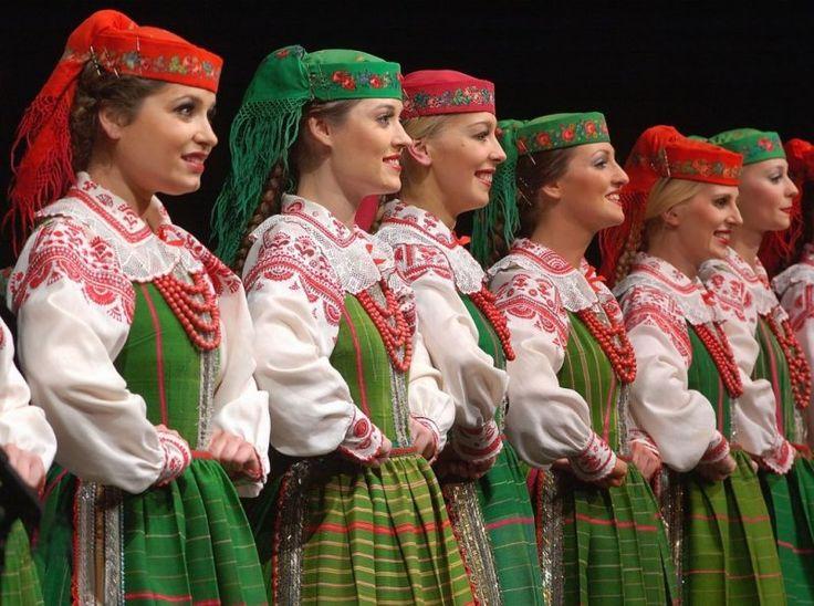 Kurpie - Puszcza Biała (White Forest) costume, Poland (Zespół Pieśni i Tańca Mazowsze)