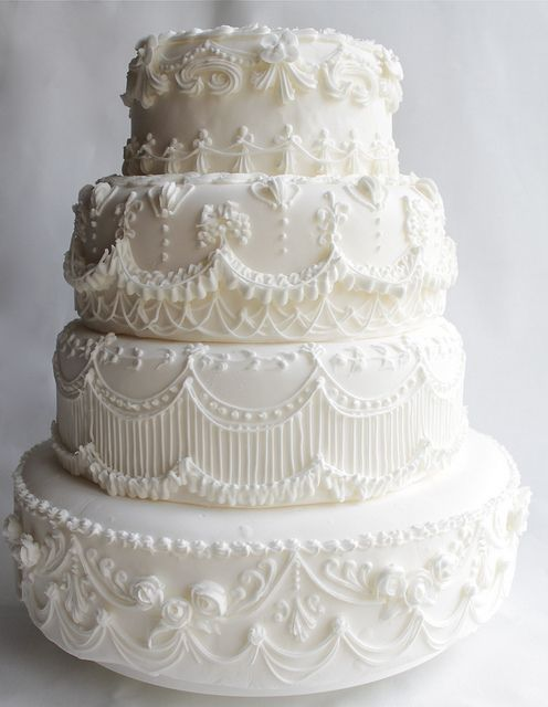wedding cake frosting designs 25 best ideas about classic wedding cakes on 22731