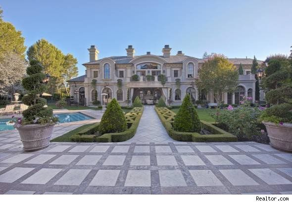 Adrienne Maloof of 'Real Housewives of Beverly Hills' lists her home. For more photos  http://realestate.aol.com/blog/2012/09/21/adrienne-maloof-of-real-housewives-of-beverly-hills-lists-be/