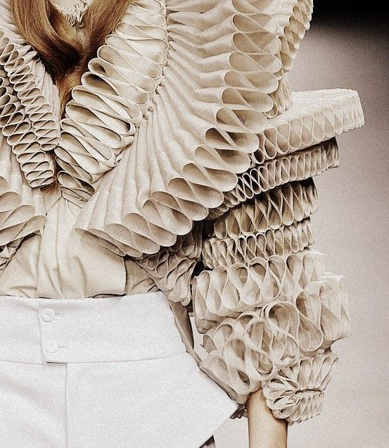 Sculptural Fashion with dramatic 3D pleats; creative fashion; wearable art // Givenchy Spring 2008