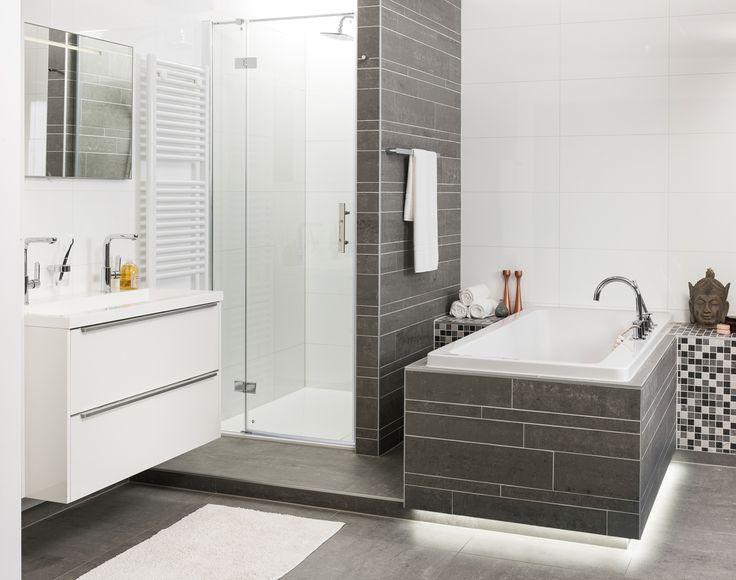 78 idee n over bad douche combinatie op pinterest badkamer bad douche douche wasbak en - Badkamer met italiaanse douche en bad ...