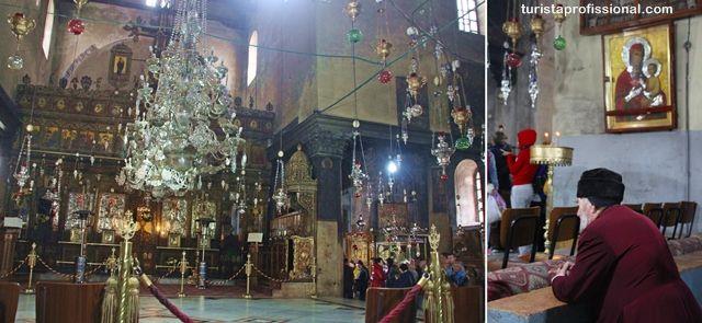 Igreja da Natividade, em Belém, Israel. A Igreja Ortodoxa Grega é proprietária de um altar principal com ícones ortodoxos, candelabros, lâmpadas.