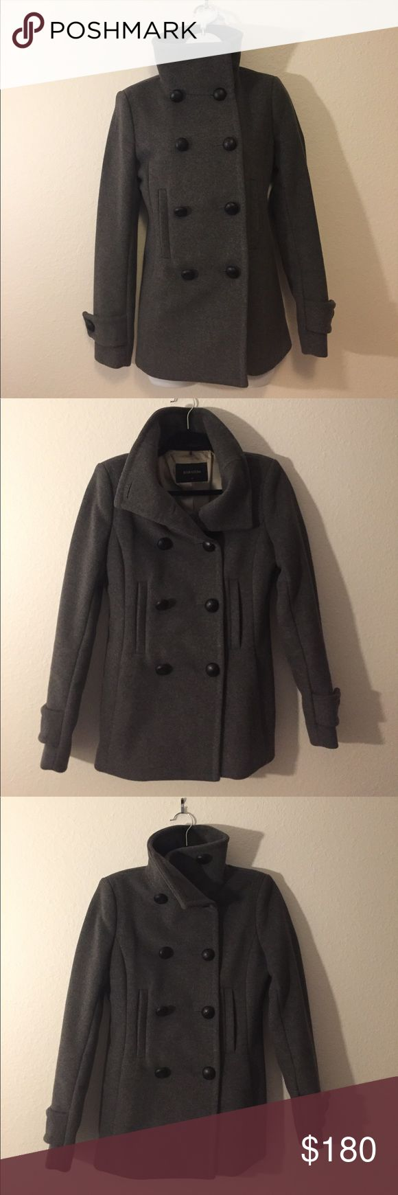 Aritzia Babaton Howell Grey Wool Coat size xs Wore only once. Beautiful Tailored coat using a luxurious Italian wool blend. The seams and edges are finished with a bespoke stitching technique to keep them flat and defined. Leather covered buttons. The coat has a slim, sleek silhouette. Several ways to wear it. Aritzia Jackets & Coats