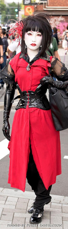 Tokyo Fashion Blog Harajuku Shironuri in Alice Auaa, PureOne Corset Works & Latex Gloves | Purely Inspiration