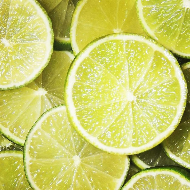 Our juicy organic limes are on special this week... and they're perfect for Summer salads adding flavour to lamb fish and chicken and a zesty twist to drinks. Visit www.onetable.life to order online.  Not just delicious either... organic lime offers a plethora of vitamins and minerals including potassium- which is important for maintaining nerve function & healthy blood pressure levels. Lime is also linked to antioxidants & bioflavonoids that researchers believe could lower the likelihood of…