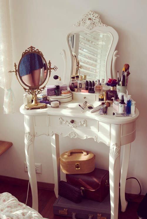 Dressing table ...I've always wanted one of these! Again, I've always been a romantic fairy princess living in a (sadly imaginary) fairytale story. Every romantic fairytale princess needs a proper place to fix her curls and touch up her gloss! And heaven FORBID her crown isn't on straight... ;)