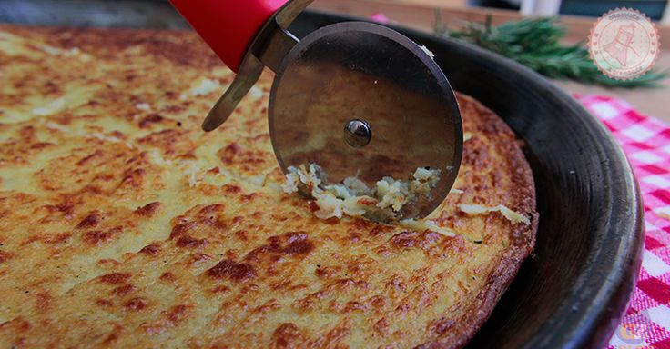 la farinata genovese è un antipasto, un primo, un secondo..insomma potete gustarlo sempre ed è favolosa!!!! potete anche arricchirla con altri ingredienti.