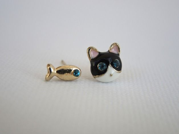Cats on DaWanda Small Earrings – Asymmetrical earrings with cat and fish – a unique product by PerfectPresent on DaWanda