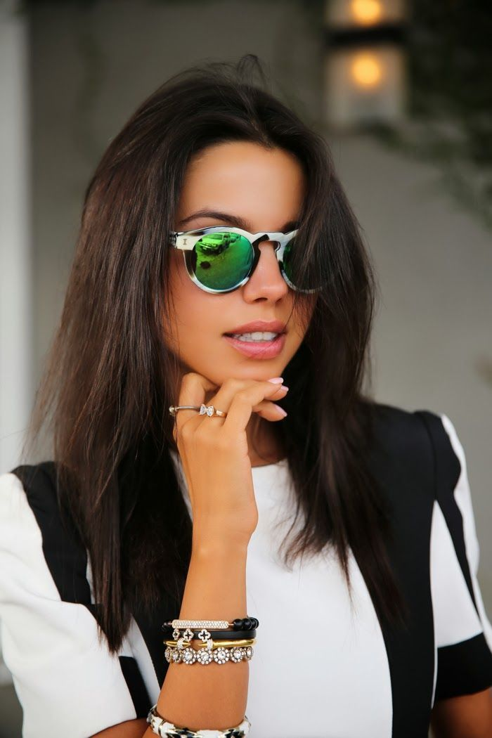 ray ban flash lenses sunglasses  loving this chic look // black & white, mirrored sunglasses