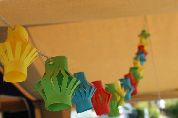 Leuke zelfgemaakte lampionnetjes!!! Erg simpel om te maken, maar toch een vrolijke versiering voor in de tuin, aan de tent/caravan of nog veel meer