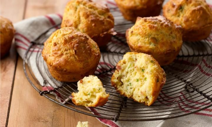 Cheese and bacon muffins - Kidspot