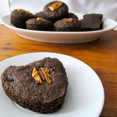 Biscoitos de Aveia e Alfarroba Energéticos: Estes biscoitos proteicos são perfeitos para fazer um lanche pré-treino.Ler mais »