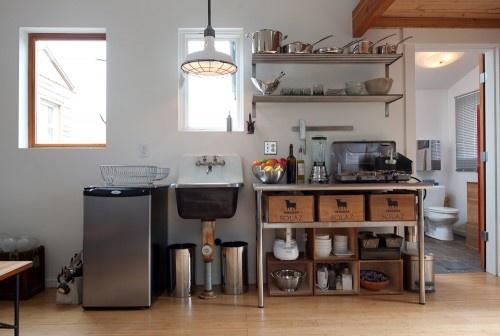 簡素キッチン