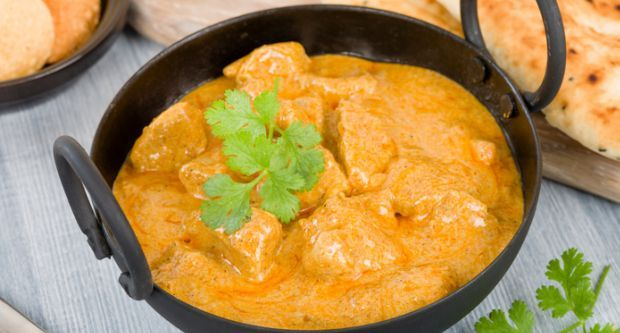 Badami Lamb Korma Recipe - Lamb korma with a rich gravy of cream, almond paste, yogurt and spices. Team it with crisp naans and it's a match made in heaven.