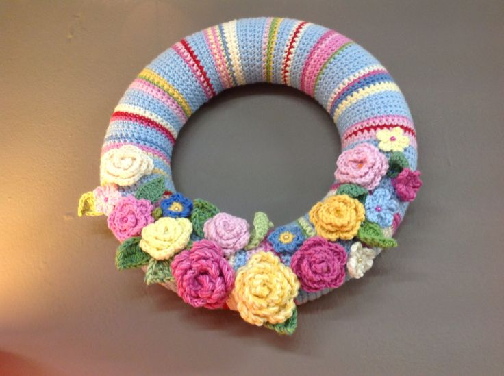 Crocheted wreath .Pattern from Attic24worked on Filatura di Crosa's Zara.
