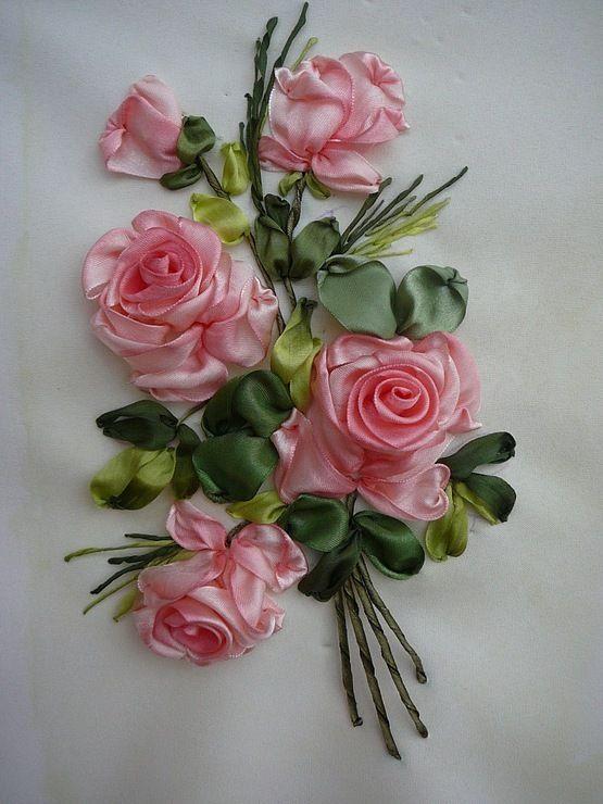 Вечным огнем, букет роз на открытке из ленточки