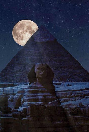 Spatial: Interesting night view of Egypt and Sphinx--Pyramid At night, Cairo, Egypt