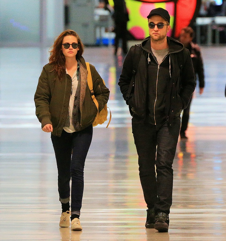 Rob + Kristen at NYC (to LAX) 26Nov12 {nice and relaxed