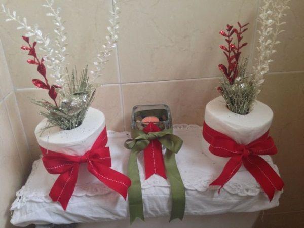 Decoración navideña del baño con papel higiénico - #DecoracionNavideña, #Manualidades, #Navidad http://navidad.es/12587/decoracion-navidena-del-bano-con-papel-higienico/