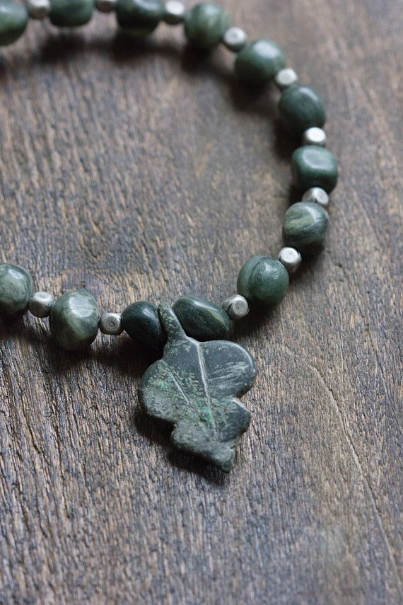 Mens Choker Necklace with Leaf Pendant Old First Nations