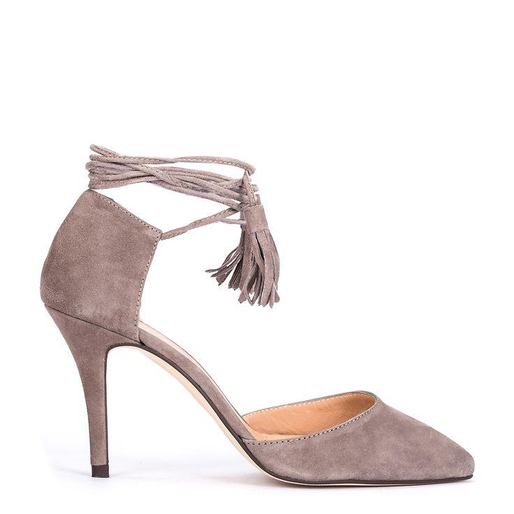 #zapatos #salón #tacón de la nueva colección #AW de #pedromiralles en color #camel #shoponline