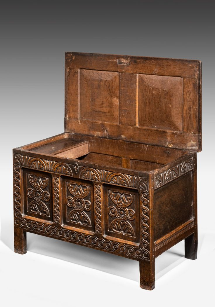 5876 Early Seventeenth Century Carved Three Panel Coffer