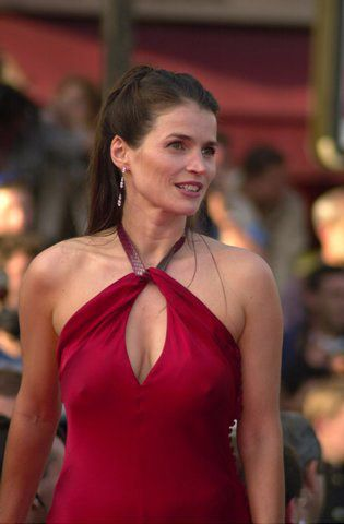 Julia Ormond desnuda en La Conjura De El Escorial : Videos