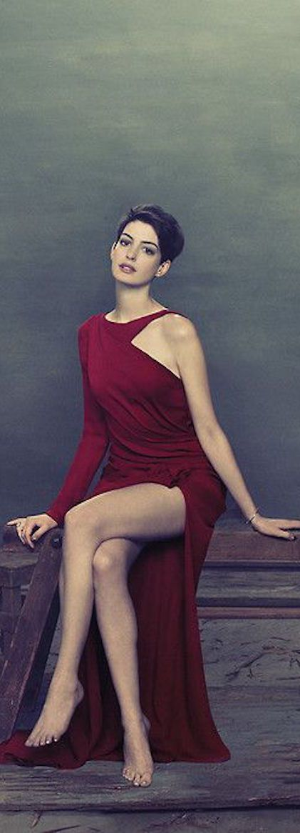 Hathaway side boob — img 11