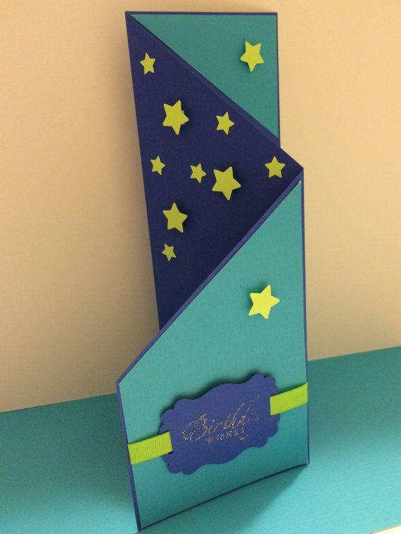 scheda di compleanno piegato a cancello di DedesCreativeCrafts