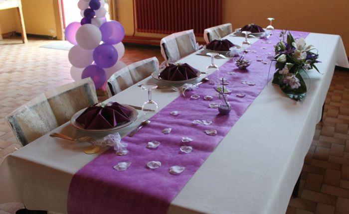 Hochzeit tischdekoration lila satin